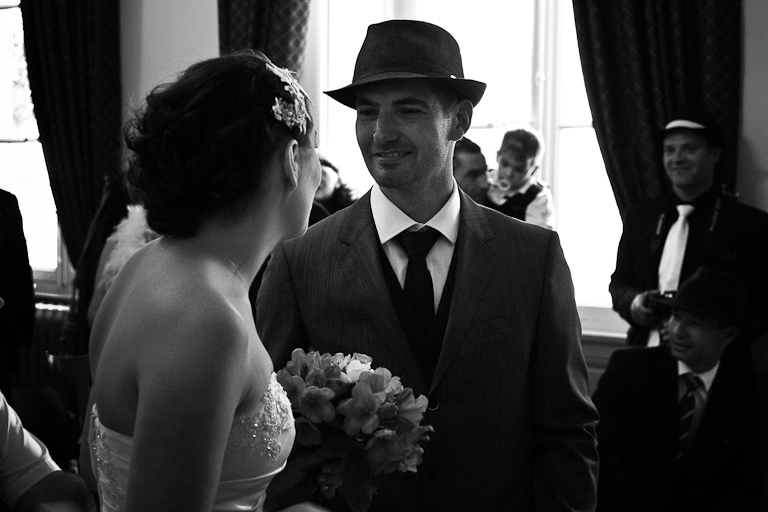 Lyra-Lintern-Photographe-Lifestyle-Mariage-Bruxelles-Normandie-Dorothee-et-Cyrille-Mairie-007