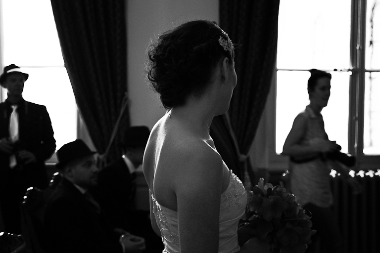 Lyra-Lintern-Photographe-Lifestyle-Mariage-Bruxelles-Normandie-Dorothee-et-Cyrille-Mairie-011