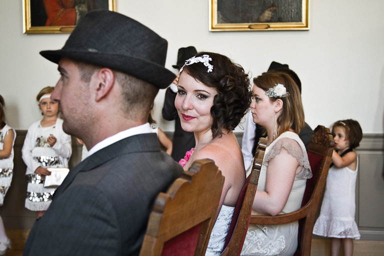 Lyra-Lintern-Photographe-Lifestyle-Mariage-Bruxelles-Normandie-Dorothee-et-Cyrille-Mairie-023