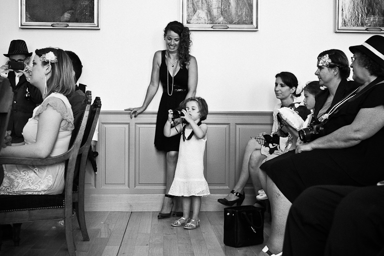 Lyra-Lintern-Photographe-Lifestyle-Mariage-Bruxelles-Normandie-Dorothee-et-Cyrille-Mairie-024